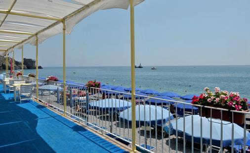 彼得拉二月神酒店 - 馬約理 - 馬奧萊 - 海灘