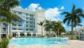 基韋斯特北部 24 酒店 - 西嶼 - 基韋斯特 - 游泳池
