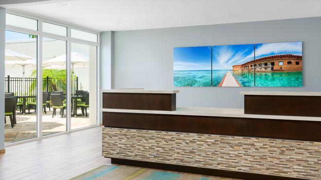 24 North Hotel Key West - Key West - Front desk