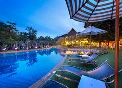 Lanta Cha-da Beach Resort - Ko Lanta - Bể bơi