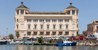 Ortea Palace Luxury Hotel - Siracusa - Building