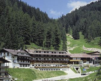 Sport Hotel Pampeago - Tesero - Budova