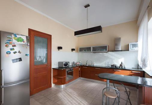 Wings Hostel - Saint Petersburg - Kitchen