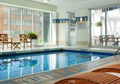 Vancouver Marriott Pinnacle Downtown Hotel - Βανκούβερ - Πισίνα