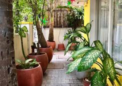 Annsun Boutique Hotel - Chennai - Näkymät ulkona
