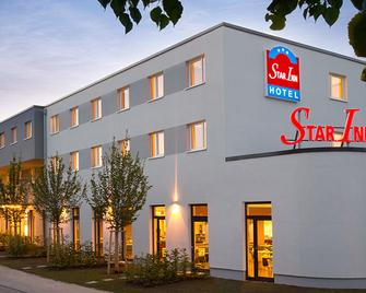 Star Inn Hotel Stuttgart Airport-Messe, By Comfort - Штутгарт - Building
