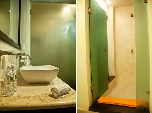 Pueblito Escondido Luxury Condo Hotel - Playa del Carmen - Bathroom