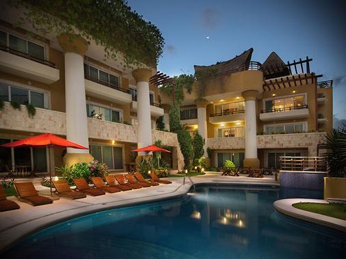 Pueblito Escondido Luxury Condo Hotel - Playa del Carmen - Pool