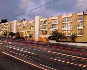 Courtyard by Marriott Los Angeles Century City/Beverly Hills - Los Angeles - Building