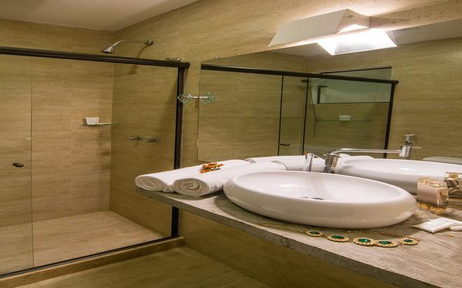 Barra Da Lagoa - Búzios - Bathroom