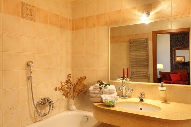 Ariston & Ariston Patio Hotel - Prague - Bathroom