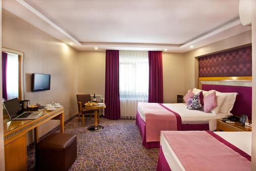 Carlton Hotel - Istanbul - Phòng ngủ