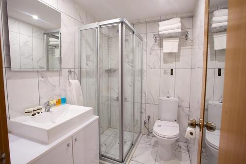 Carlton Hotel - Istanbul - Phòng tắm