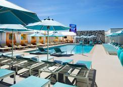 SAHARA Las Vegas - Las Vegas - Pool