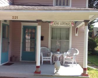 Rose Cottage - Baxter Springs - Patio