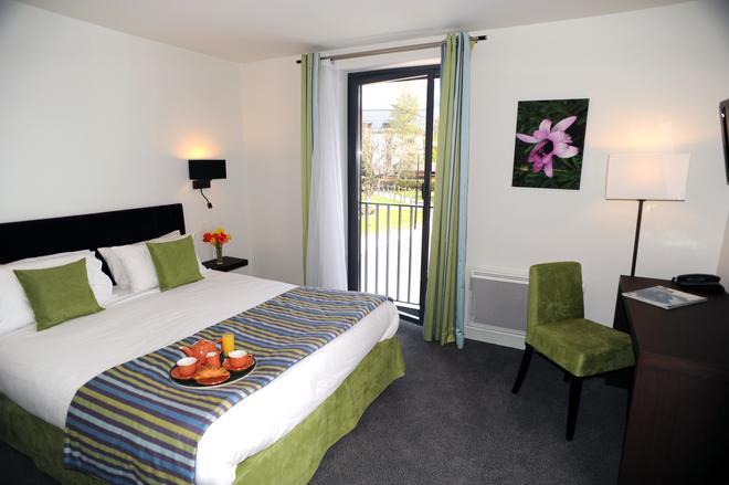Hotel Les Lanchers - Ле-Тин - Спальня