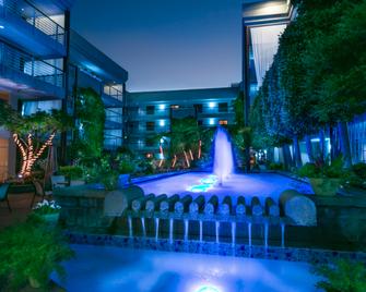 Cupertino Hotel - Cupertino - Pool