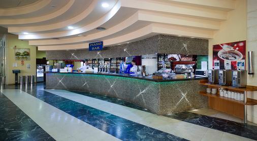馬克弗特海灘俱樂部酒店 - 式 - 托雷莫里諾斯 - 多列毛利諾斯 - 酒吧