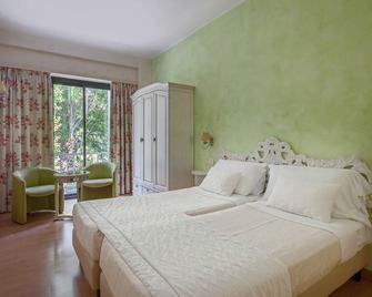 Hotel Olivi Thermae & Natural Spa - Sirmione - Camera da letto