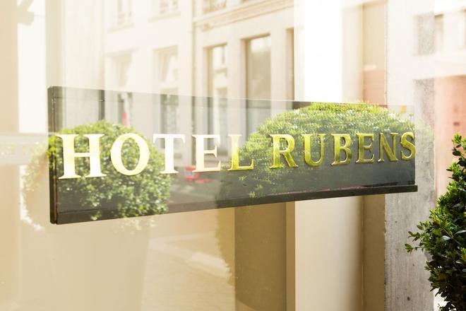 Hotel Rubens - Grote Markt - Antwerpia - Budynek