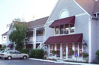 North Conway Mountain Inn - North Conway - Building