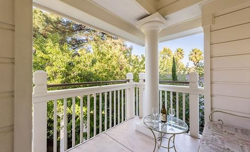 The Bergson - Calistoga - Balcony