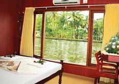 溫馨船屋飯店 - Alappuzha - 臥室
