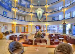 Michel Hotel Magdeburg - Cochstedt - Lobby