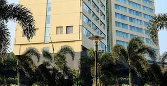 Marriott Kochi Hotel - Kochi