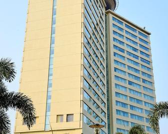 Kochi Marriott Hotel - Kochi - Κτίριο