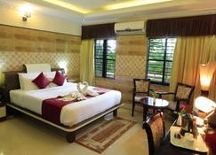 Jal Mahal Resort and Spa - Mysore - Sypialnia