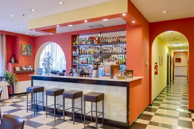 Best Western Plus Congress Hotel - Γιερεβάν - Bar