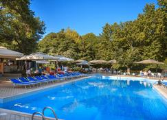 Best Western Plus Congress Hotel - Ereván - Piscina