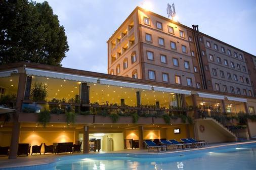 Best Western Plus Congress Hotel - Yerevan - Building