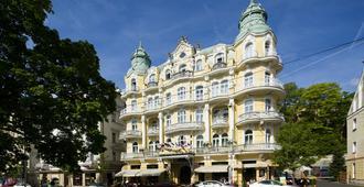 Orea Spa Hotel Bohemia - Mariánské Lázně - Byggnad
