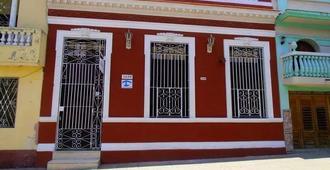 Casa Hostal Colonial Elias Y Dagmara - Cienfuegos - Building