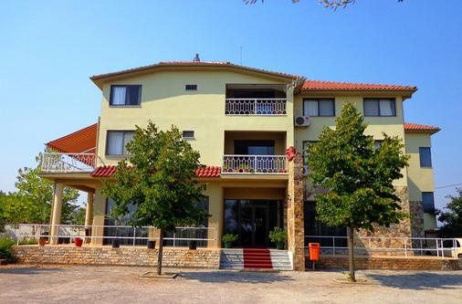 Hotel Viktoria - Tirana - Rakennus