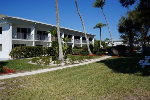Caribe Beach Resort - Sanibel - Building