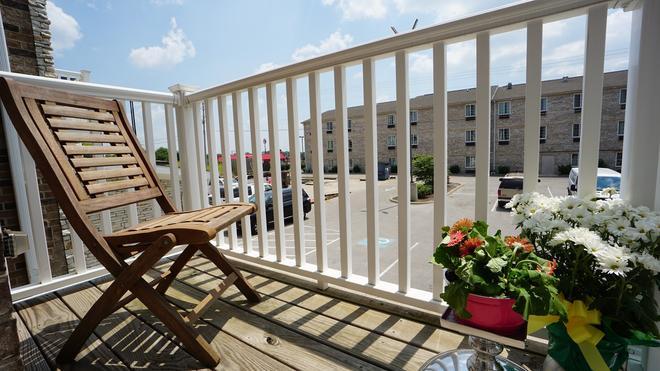 The Hotel Sync - Bowling Green - Balcony