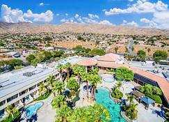 Miracle Springs Resort & Spa - Desert Hot Springs - Outdoors view