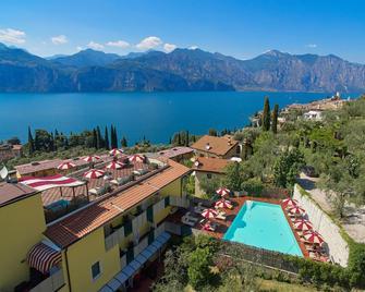 Hotel Villa Smeralda - Malcesine - Outdoor view