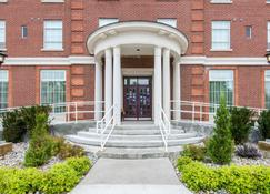 The Champlain Waterfront Hotel, an Ascend Hotel Collection - Orillia - Edificio