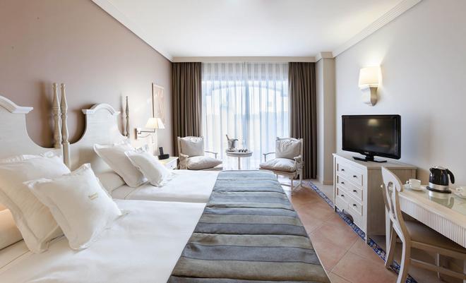 巴塞羅馬貝拉酒店 - 馬貝雅 - 馬貝拉 - 臥室