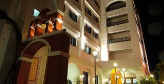 Hotel Bayview - הואליין סיטי
