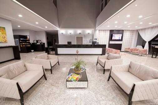 Hiber Hotel - Chapecó - Lobby