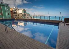 Hotel Sercotel Cristina Las Palmas - Las Palmas de Gran Canaria - Pool