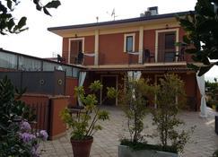 瓦倫緹納別墅酒店 - 陶爾米納 - 陶爾米納 - 建築