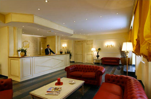 Hotel Il Quadrifoglio - Rome - Front desk