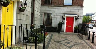 The Leeson Lodge - Dublin - Building