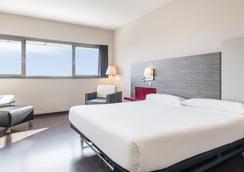 Ilunion Barcelona - Barcelona - Bedroom